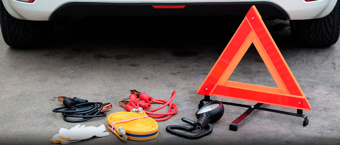 Key Things To Keep In Your Rental Car For Emergency Situations